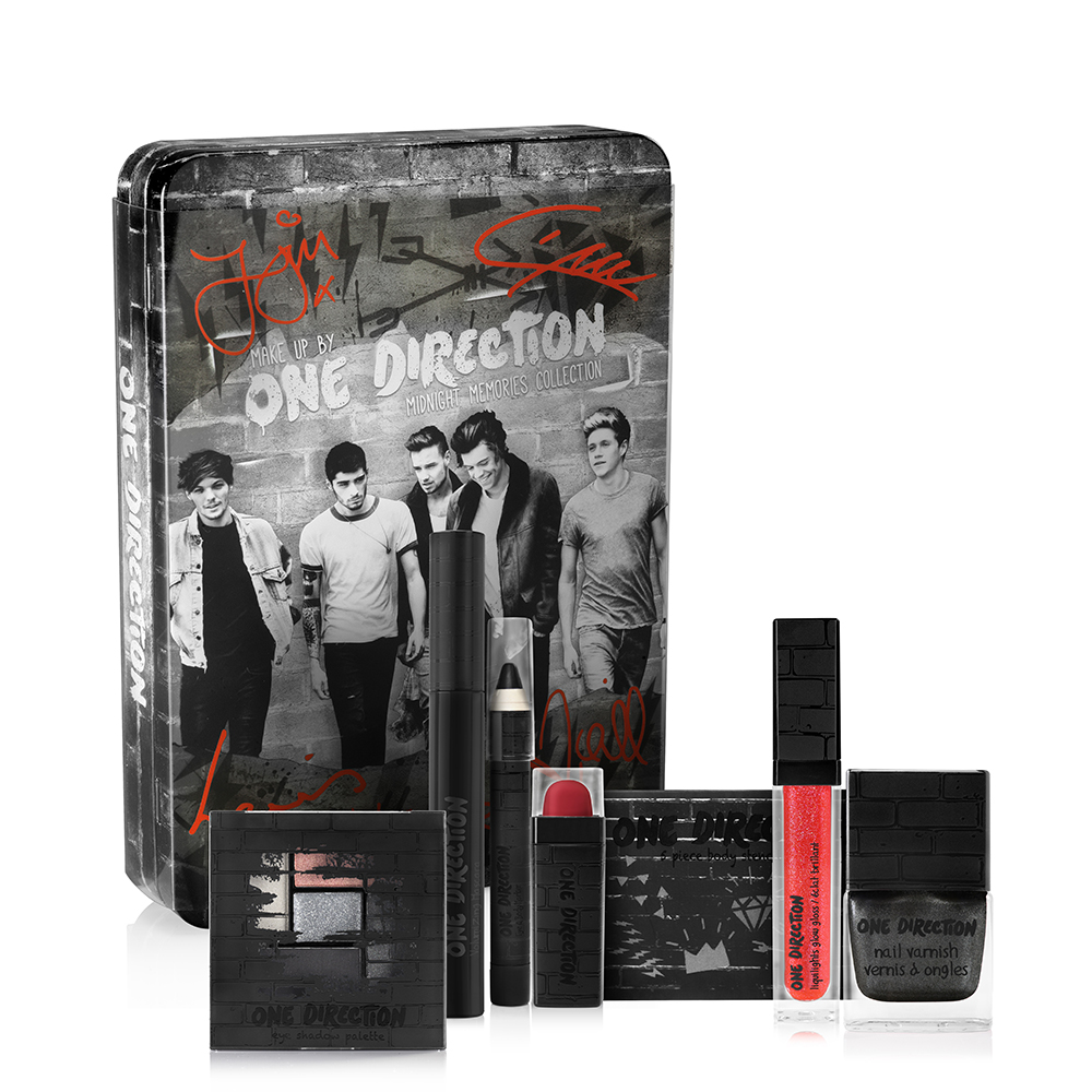 #Win Autographed Makeup By One Direction #makeupby1D #thelookscollection
